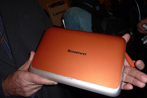 Lenovo shows its first tablet, the LePad