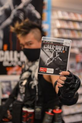 Call of Duty: Black Ops II midnight launch (+ photos)