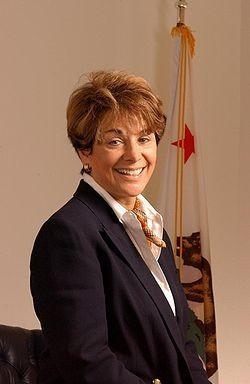 U.S. Representative Anna Eshoo, a California Democrat, introduces a bill to require mobile providers to disclose their 4G speeds.