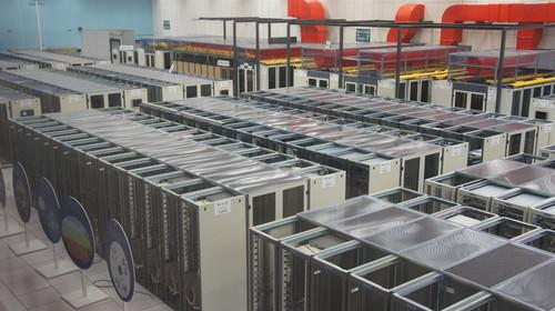 CERN's datacenter is modernizing with OpenStack and Puppet.