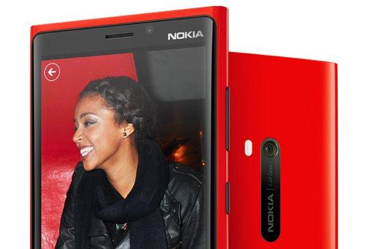 We go hands-on with the Nokia Lumia 920.
