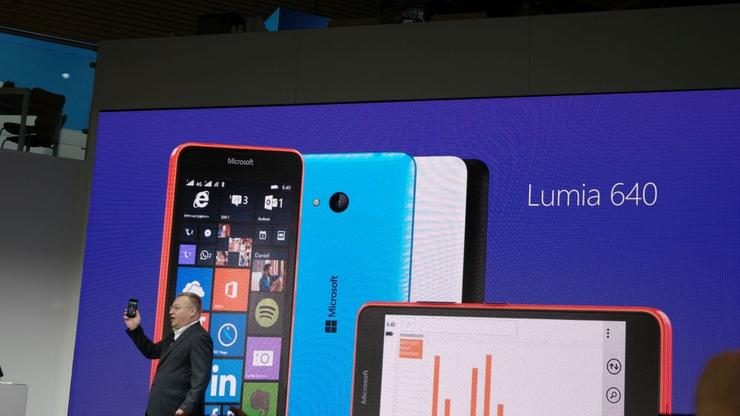 Stephen Elop unveiling the Lumia 640