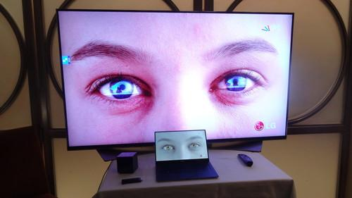 Dell's XPS 13 with LG TV