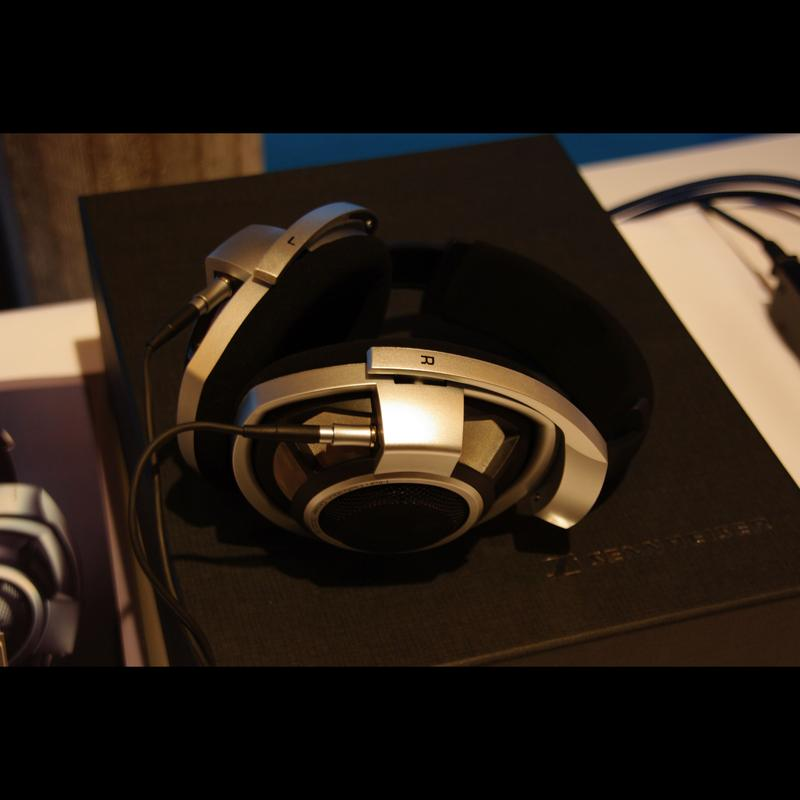 Sennheiser HD800 headphones launch