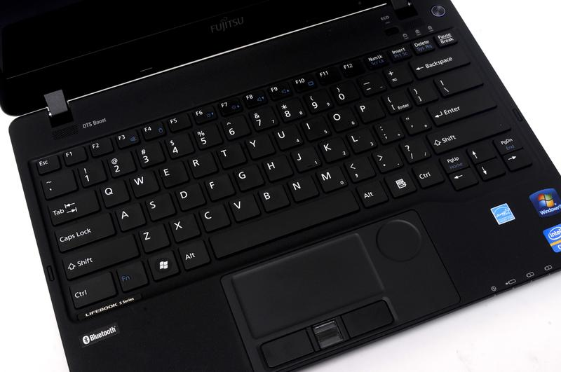 In pictures: Fujitsu Lifebook SH771