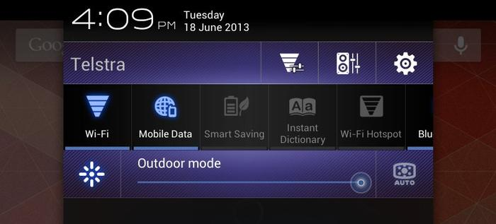 ASUS has added a range of customisable quick toggles in the notification pulldown.