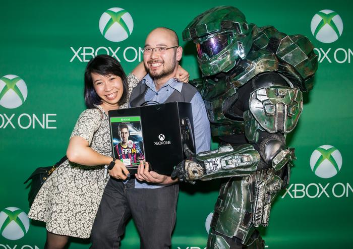 The first recipients of the Xbox One, Angela Tran and Francis King.