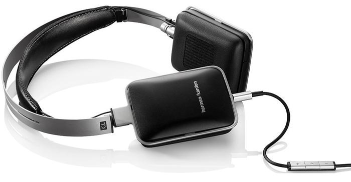 Headphones designed to be used with a smartphone should be mobile. Harman Kardon's CLs come with an ordinary carry case capable of protecting the on-ear headphones. Instead of folding inwards, the CLs cups swivel to form a slender profile.