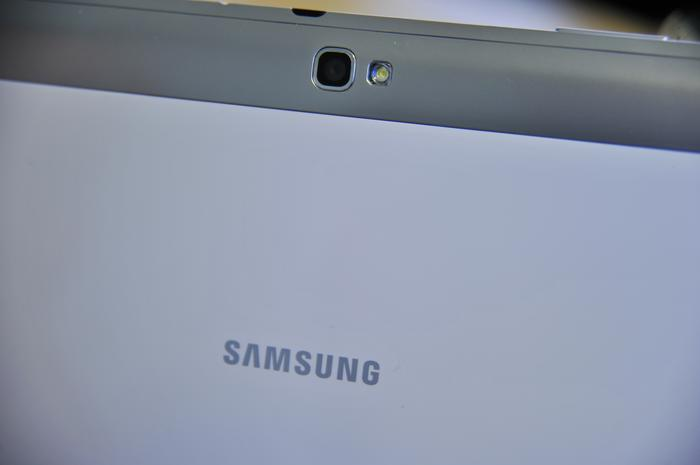 The plastic backing of the Samsung Galaxy Note 10.1 feels a little flimsy.