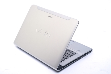 Sony VAIO E Series 14P (SVE14A16FG) 14in notebook