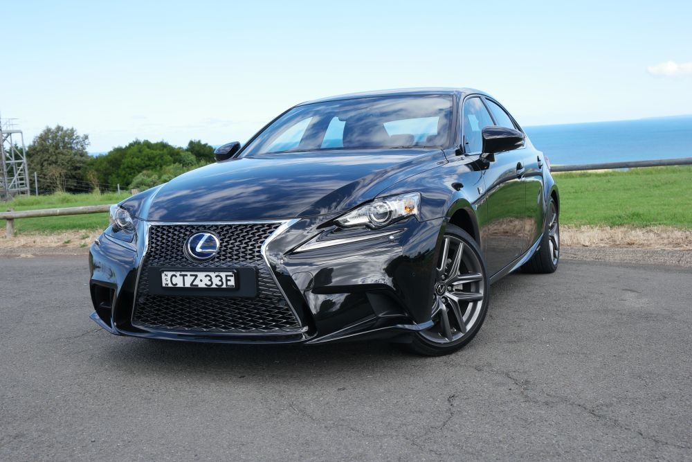 lexus is 300h f sport photos automotive car good gear guide australia. Black Bedroom Furniture Sets. Home Design Ideas