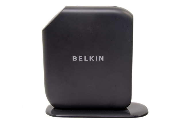 Belkin Australia PlayMax Wireless Modem-Router (F7D4401au)
